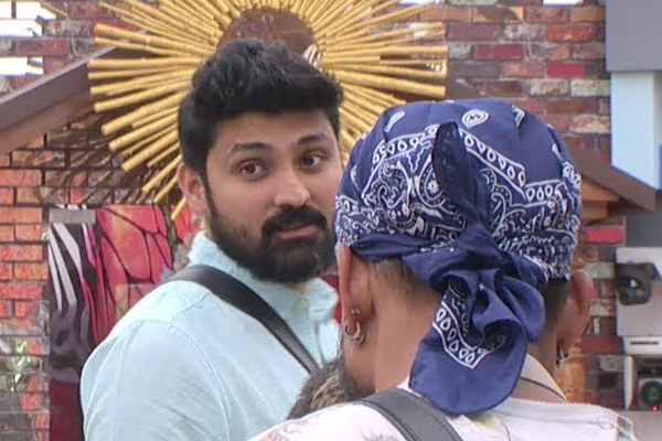 Bigg Boss telugu 2: Samrat saved from nominations