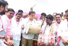 KTR says TRS will play decisive role at Centre
