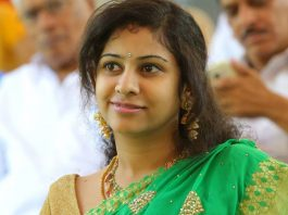 Pawan shall better do 'kavathu' than blame TDP, says Yamini