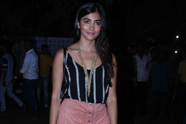 Pooja Hegde has no time for Aravindha Sametha promotions