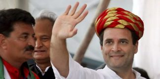 Rahul's call to voters to oust KCR and Modi
