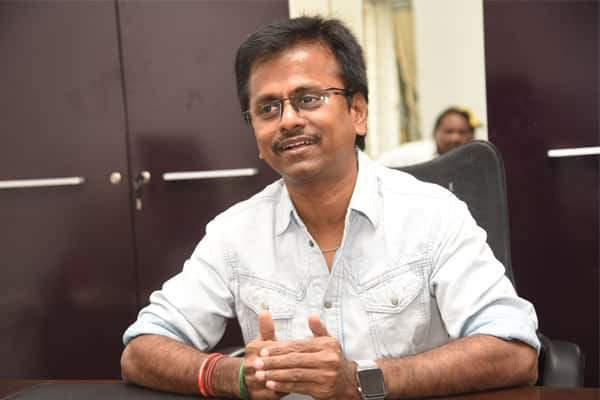 Midnight Stir: Attempt to arrest AR Murugadoss