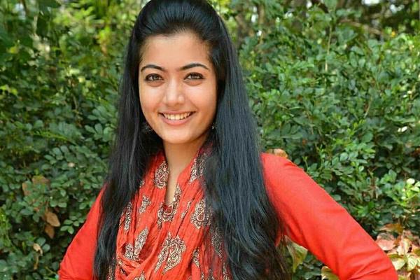 Rashmika gets an interesting role in Allu Arjun's Film?