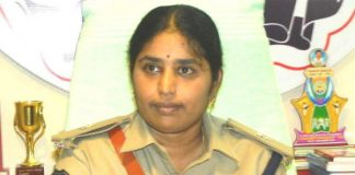 EC shunts out Telangana SP over Congress leader's arrest
