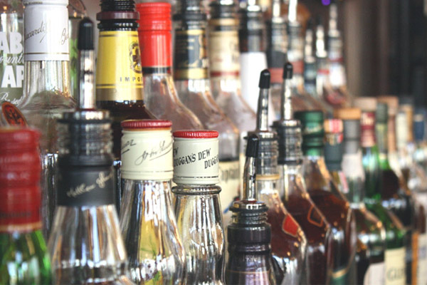 AP govt buckles under pressure, cuts down number of liquor stores