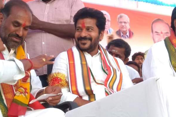 KCR avoids arrest issue: Revanth released