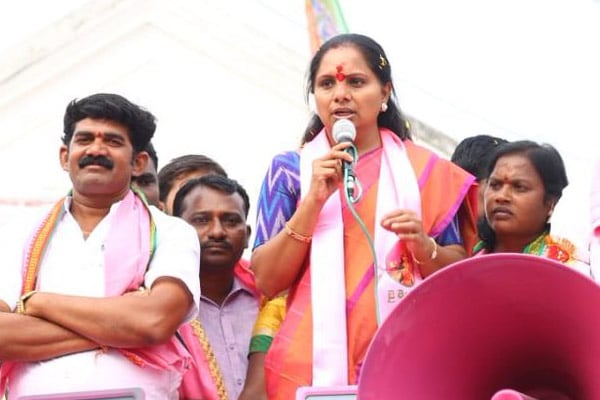 KCR's daughter dares Rahul to support Telangana demands in Parliament