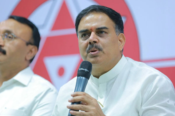 Pawan to hold 'Amaravati Kavathu' in Capital villages?