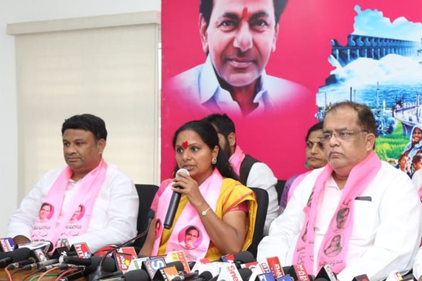 Naidu posing as national level leader, assembly results will backfire: TRS leader Kavitha