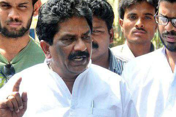 Fresh notice to Sabbam Hari despite court relief