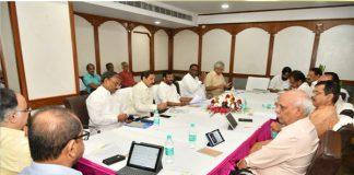 Why Undavalli did not invite loksatta Jayaprakash Narayana?