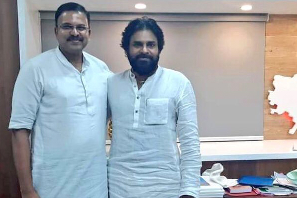 'JD' Lakshmi Narayana joining Janasena, big boost to the party