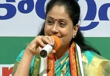 KCR can't influence national politics: Vijayashanthi