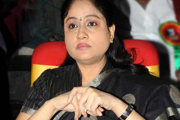 Vijayashanti back to BJP fold?
