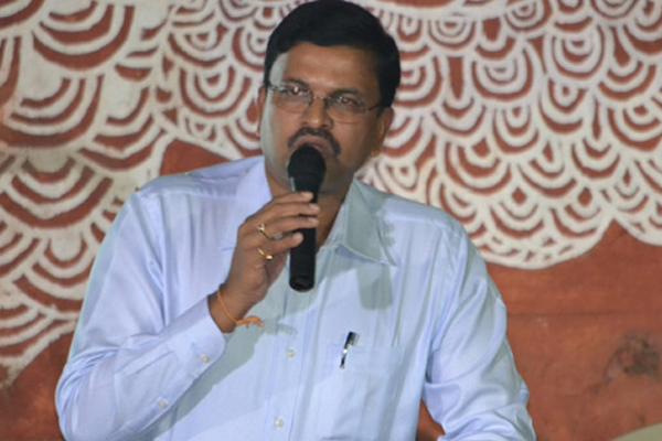 Why is TDP luring JD Lakshminarayana? Educated voters