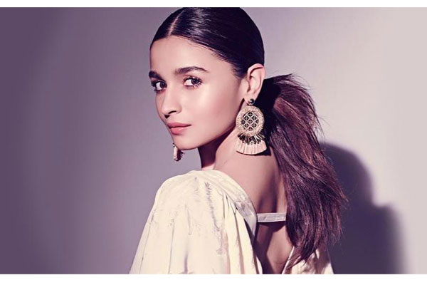 Alia Bhatt joins the sets of RRR