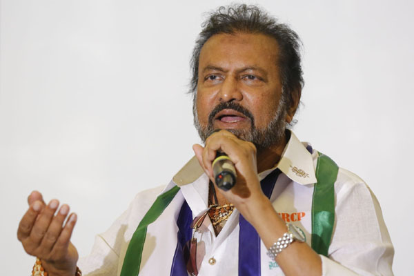 Mohan Babu defends Telangana government on suicides