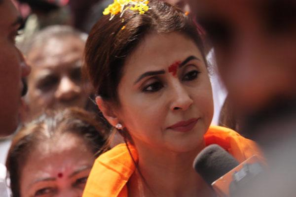 Modi's life makes a good comedy film, says Urmila Matondkar