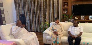 Chandrababu Naidu meets Gowda, Kumaraswamy for post-poll alliance