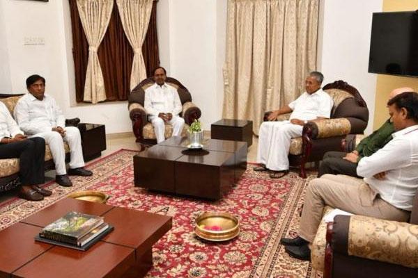 KCR has practicable ideas for a non-BJP, non-Congress Front: Kerala CM