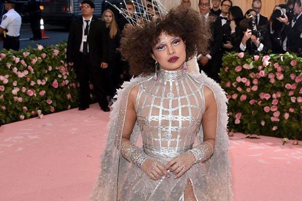 Priyanka gets trolled for extravagant MET Gala look