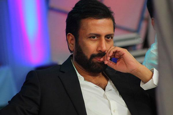 Can Ravi Prakash outsmart Jagan and KCR?