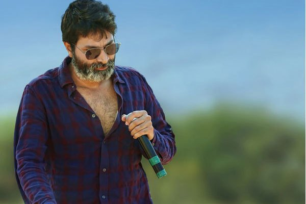 Trivikram knocked by Tollywood top stars