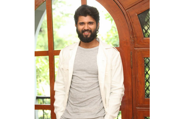 Vijay Deverakonda unhappy with the negativity around him