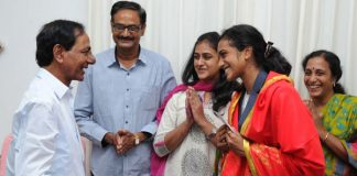 KCR assures support to Sindhu for future tournaments