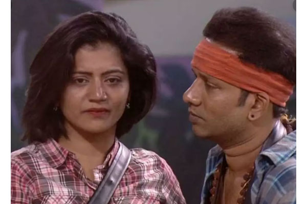 Bigg boss tidbits: Shiva Jyothy spoiling her prospects by crying a lot?