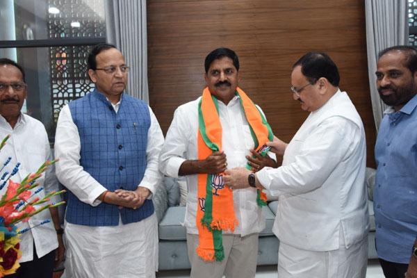 TDP Ex Minister joins BJP in Delhi
