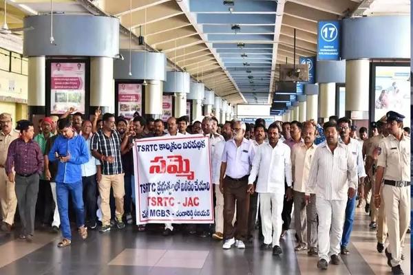 RTC strike continues in Telangana as talks fail