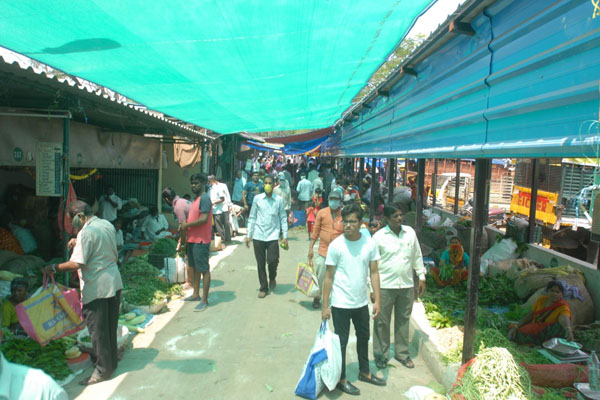You cannot buy essentials beyond 11 am, social distancing will be strictly enforced: AP govt