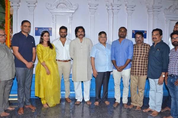 Pawan Kalyan claps Sai Dharam , Deva Katta Film
