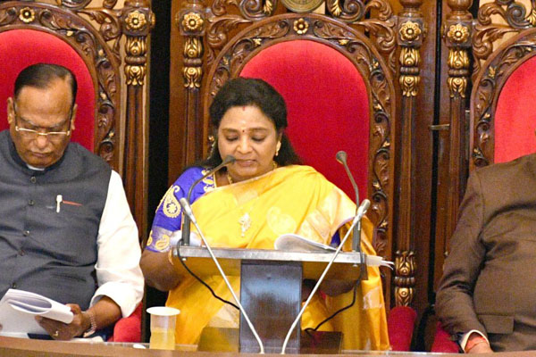 Governor Tamilisai showers praises on KCR in her maiden address in Assembly