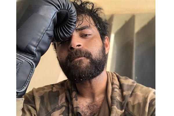 Varun Tej takes up Vijay Devarakonda's Title?