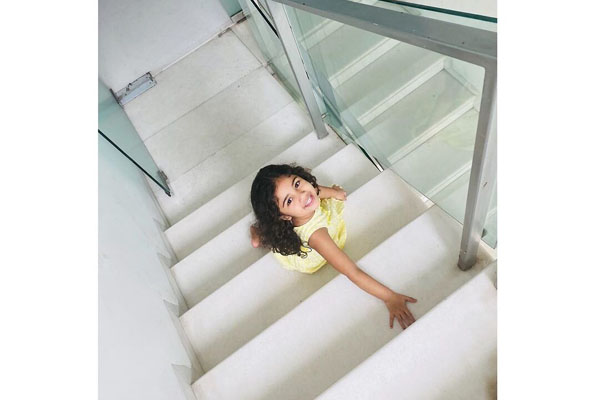 Allu Arjun shares pic of daughter's baby steps