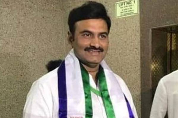 YSRCP MPs hand over disqualification petition to Om Birla. Can Raju be disqualified?