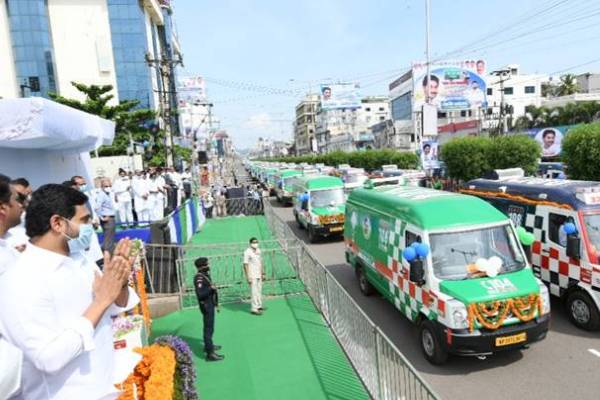 Karnataka Congress lauds Jagan Reddy over ambulances