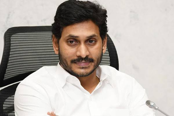 Jagan bats for Bharat Ratna to SPB