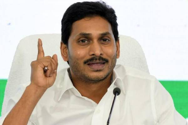 Jagan law: Rise of Praveen Prakash coincides with fall of seniors
