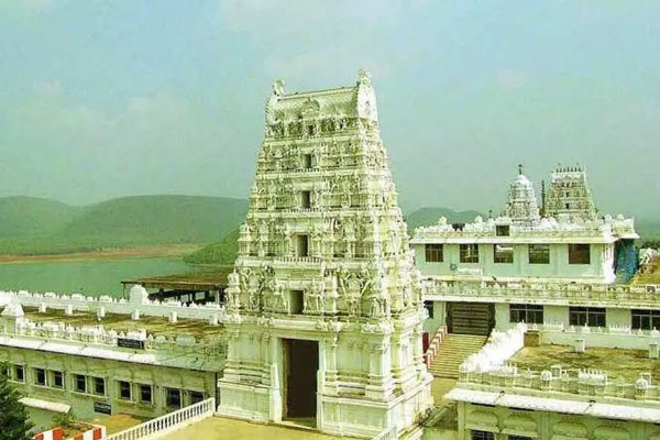 After Tirumala, Covid-19 rings alarm bells in Annavaram temple
