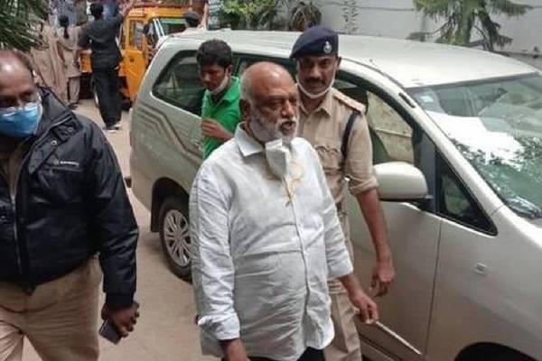 JC Prabhakar tests Covid +ve in Kadapa jail