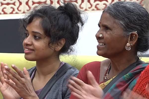 Bigg boss tidbits: Devi Nagavalli repeating the mistake of Ali Reza