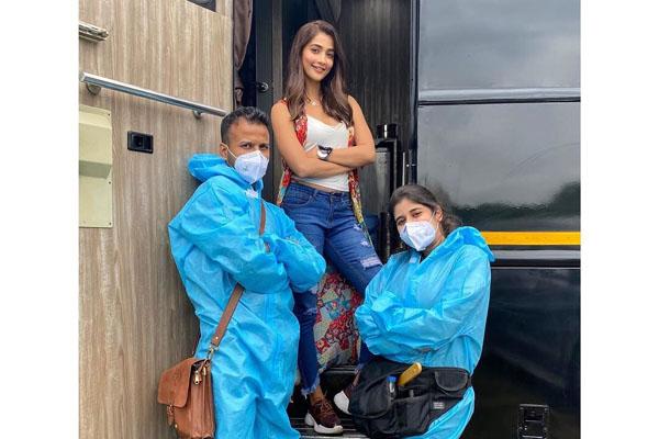 Pooja Hegde returns back to sets