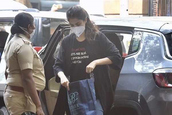 Rhea Chakraborty arrested by Narcotics Control Bureau officials