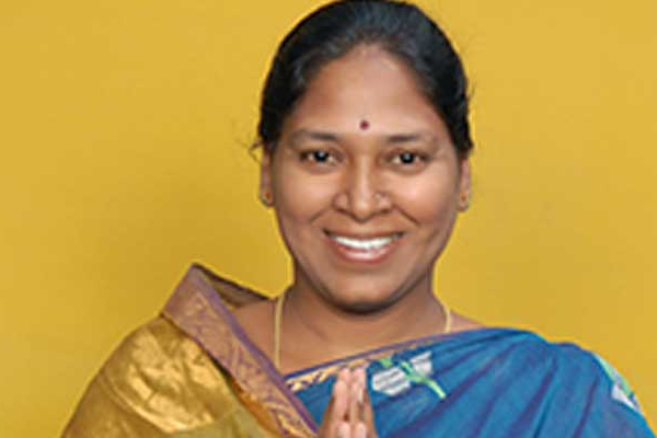 TDP MLC Sunitha resigns, decides to join YCP