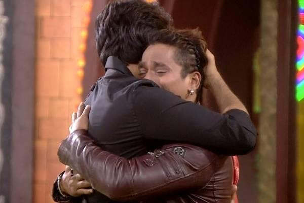 Bigg boss: Mehboob evicted, all housemates become emotional