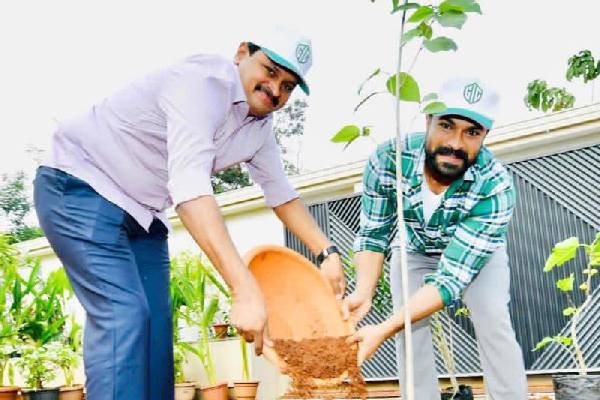 Ram Charan participates in Green India Challenge