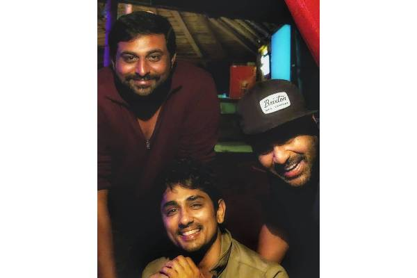 Sharwa and Siddharth bond well on the sets of Maha Samudram
